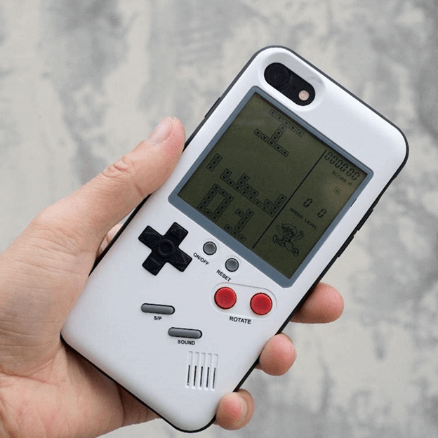 Wanle Gamers Console: A Gameboy at The Back of Your iPhone 2