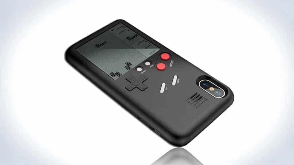 Wanle Gamers Console: A Gameboy at The Back of Your iPhone